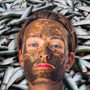 Bildcollage av strömming och en person med hudkräm i ansiktet