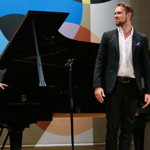 Pianisti Marko Hilpo ja baritoni Waltteri Torikka.