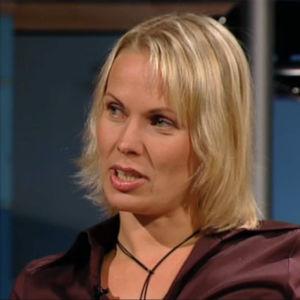 Kirjailija Nina Honkanen ohjelmassa Arto Nyberg.