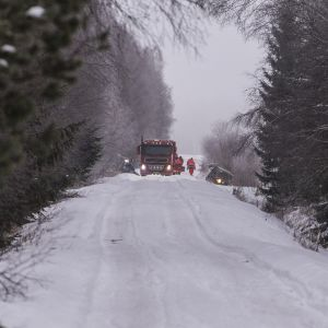 Kaksi ihmistä kuoli ojaanajossa Pedersöressä. Onnettomuus sattui ilmeisesti yöllä, auto huomattiin aamulla.