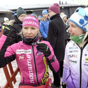 Riitta-Liisa Roponen (vas.) ja Susanna Saapunki.