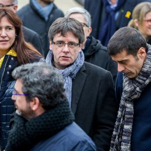 Carles Puigdemont ja muita katalonian edustajia.