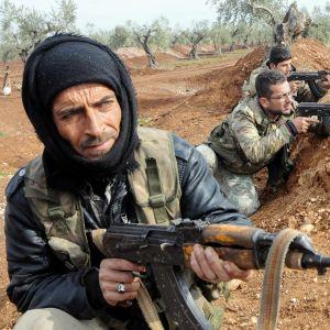 Turkin armeijan joukot Azezin kaupungissa.