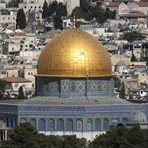 Temppelivuori ja Kalliomoskeija Jerusalemissa