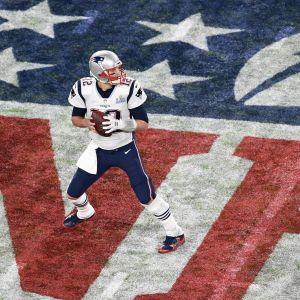 Tom Brady tositoimissa.