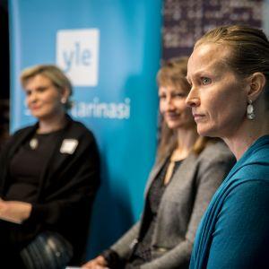 Anne Mäkinen muisteli Sepp Blatterin möläytyksiä.