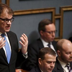 Pääministeri Juha Sipilä eduskunnan suullisella kyselytunnilla Helsingissä 8. helmikuuta 2018.