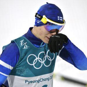 Eero Hirvonen yhdistetyn hiihto-osuudella Korean olympialaisissa.