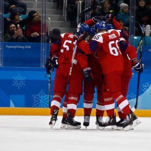 Tshekki juhli voittoa Sveitsistä.