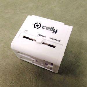 Celly UTC01 Multicharger 4 in 1 -adapteri