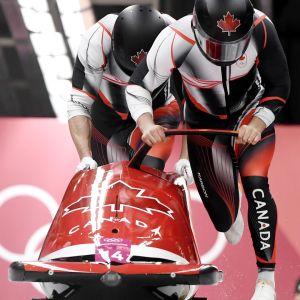 Kelkkailijoita Etelä-Korean olympialaisissa.