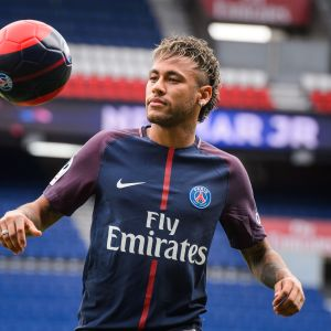Neymar on maailman kallein pelaaja, mutta haluaisi olla myös paras.