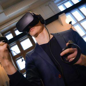 Toni Puurtinen, virtuaalitodellisuus, virtuaalitodellisuuslasikko, Lahden museot