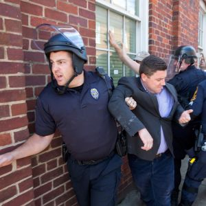 Jason Kessler poliisisaattueessa elokuussa 2017.