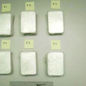 Huumausaineita paketissa poliisin hallussa