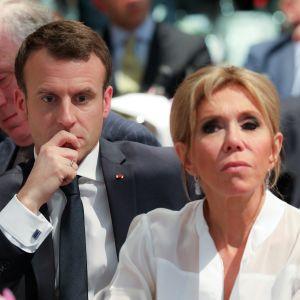 Ranskan presidentti Rmmanuel Macron ja hänen vaimonsa Brigitte.