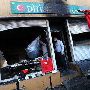 Berliiniläiseen moskeijaan tehty tuhopolttoisku aiheutti merkittävää vahinkoa varhain sunnuntaiaamuna.