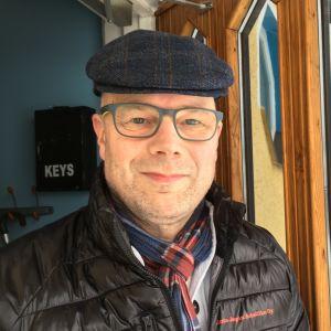 Risto Dufva asteli aamulla kotoaan vapaana miehenä.