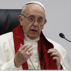 Paavi Franciscus puhui nuorisolle Vatikaanissa 19. maaliskuuta.
