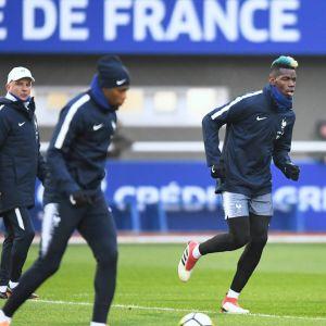 Paul Pogba Ranskan harjoituksissa.