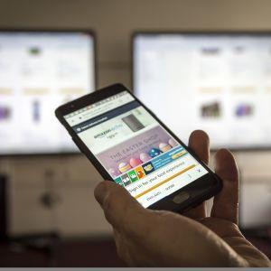 Yhdysvaltalainen Amazon on kehittänyt mobiiliostamisen helppoutta huippuunsa.