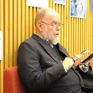 Michael Lapsley vieraili Inarissa huhtikuussa 2018.