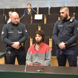 Turun joukkopuukotuksen pääkäsittely alkoi Turun vankilassa.