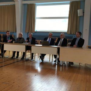 Neuvottelut Etelä-Savon keskussairaaloiden leikkausten työnjaosta jatkuvat