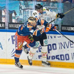 Kristian Kuusela #71, Tappara, Kristian Vesalainen #93, Kärpät