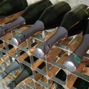 Ranskalainen samppanjatalo säilöö juomiaan Lohjan Tytyrin kaivoksessa.