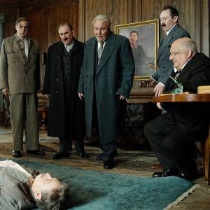 The Death of Stalin elokuvasta kohtauskuva.