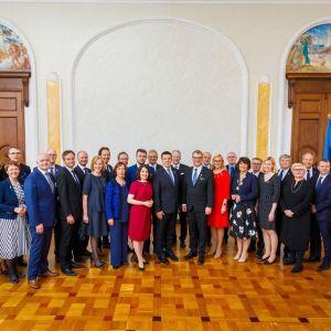 Suomen ja Viron hallituksen ministerit.