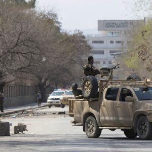 Turvallisuusjoukkoja Kabulissa.