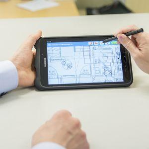 Lieke Suunnittelujen sovellus säästää rahaa rakennusalalla mahdollistamalla aina ajankohtaiset piirustukset.