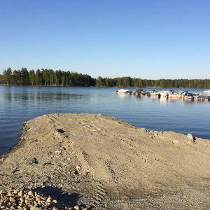 Pirttiniemen sataman aluetta Kuopion Saaristokaupungissa.