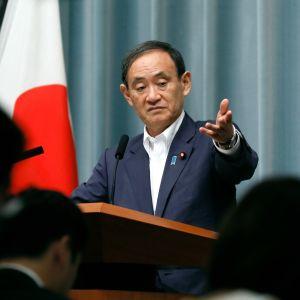 Japanin hallituksen kansliapäällikkö Yoshihide Suga