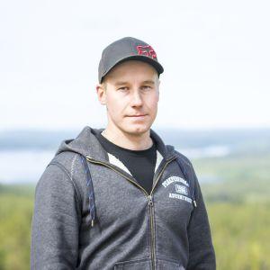 Tuomas Kananen nauttii metsästä töissä ja vapaa-ajalla.