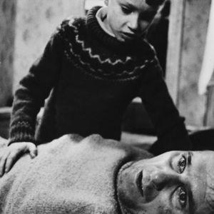 Kahdeksan surmanluotia -elokuvan lehdistökuva.
