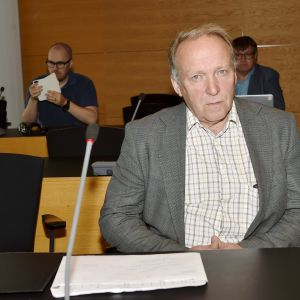 Kansanedustaja Teuvo Hakkarainen Helsingin käräjäoikeudessa 18. kesäkuuta