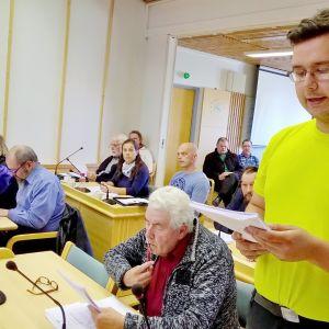 Akseli Erkkilä Kittilän valtuustosalissa 29. elokuuta 2016.