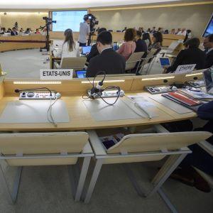 ihmistoikeusneuvoston istunto