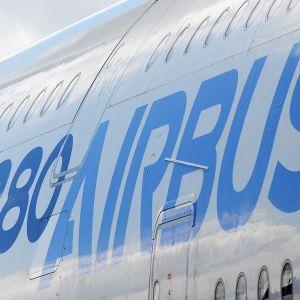 Airbusin logo.