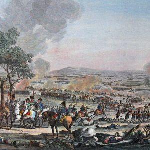 Väritetty litografia ratsusotilaista ja jalkaväestä ottamassa yhteen savuavalla taistelukentällä.