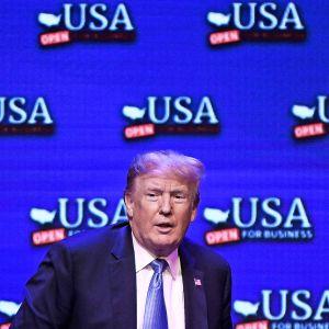 Donald Trump pitämässä puhetta Las Vegasissa 23. kesäkuuta.