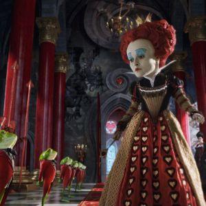 Kuva Tim Burtonin elokuvasta Liisa Ihmemaassa.