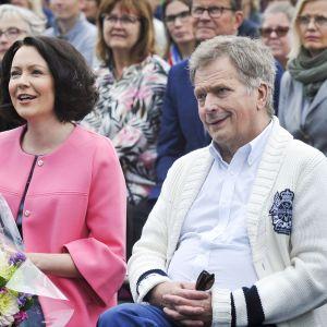 Sauli Niinistö ja Jenni Haukio Porin Asuntomessujen avajaisissa perjantaina 6. heinäkuuta