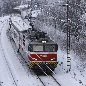 Henkilöjuna Mikkelistä saapuu Kouvolaan.
