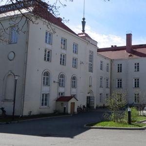 Tornion Yhteislyseon lukiorakennus