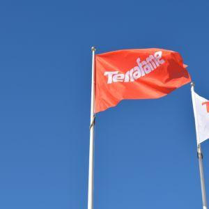 Terrafamen lippuja salossa.