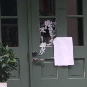 Murrossa roikottu ovenlasi